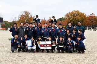 2017年、全日本総合馬術選手権を制したのは?